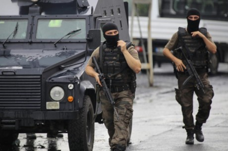 ตุรกีและอังกฤษพบเบาะแสแผนการโจมตีก่อการร้ายต่างๆ - ảnh 1