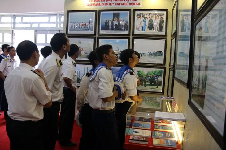 """งานนิทรรศการแผนที่และเอกสาร""""เจื่องซาและหว่างซาของเวียดนาม-หลักฐานทางประวัติศาสตร์และนิตินัย"""" - ảnh 1"""