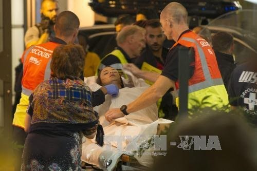 มีผู้เสียชีวิตและได้รับบาดเจ็บ 160 คนจากเหตุโจมตีในประเทศฝรั่งเศส - ảnh 1