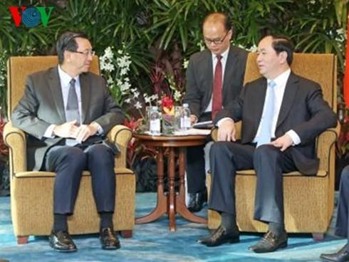 ประธานประเทศให้การต้อนรับประธานเครือบริษัท Sembcorp และประธานเครือบริษัท Ascendas-Singbridge - ảnh 1