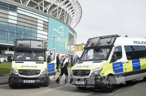 ตำรวจอังกฤษจับกุมตัวผู้ต้องส่งสัยอีก 1 คนในเหตุโจมตีก่อการร้ายด้านหน้าอาคารรัฐสภา - ảnh 1