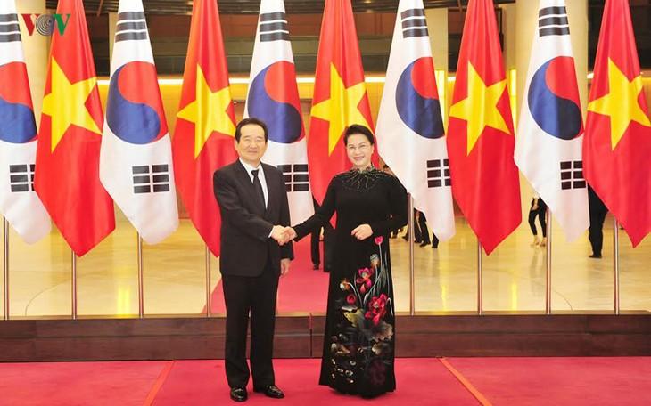 เวียดนาม-สาธารณรัฐเกาหลี หุ้นส่วนสำคัญด้านความสัมพันธ์ทางเศรษฐกิจ การค้าและการลงทุน - ảnh 1