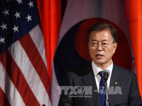 """ประธานาธิบดีสาธารณรัฐเกาหลีประกาศ """"ความคิดริเริ่มเกี่ยวกับสันติภาพบนคาบสมุทรเกาหลี"""" - ảnh 1"""