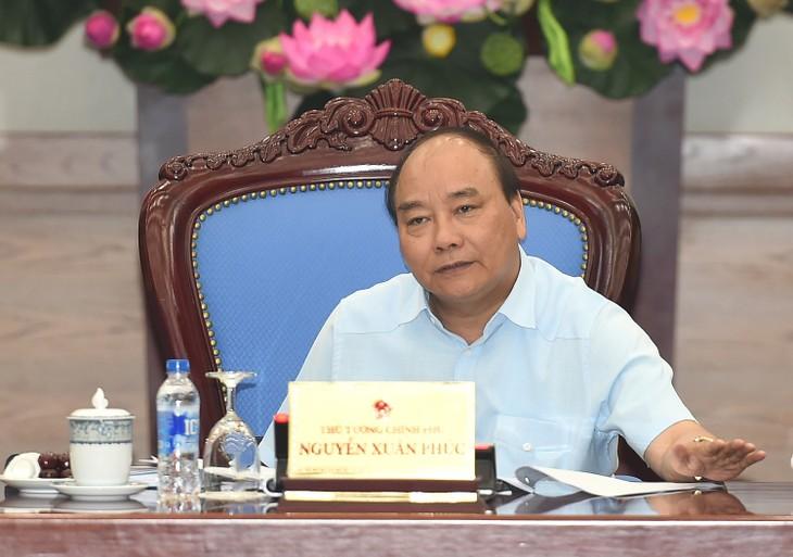 คณะรัฐบาลประชุมเกี่ยวกับร่างกฎหมายหน่วยงานราชการ-เศรษฐกิจพิเศษ - ảnh 1