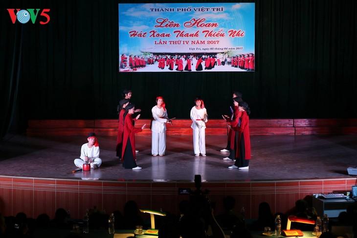 การร้องเพลงทำนองซวานของจังหวัดฟู้เถาะได้รับการรับรองเป็นมรดกวัฒนธรรมนามธรรมของมนุษยชาติ - ảnh 1