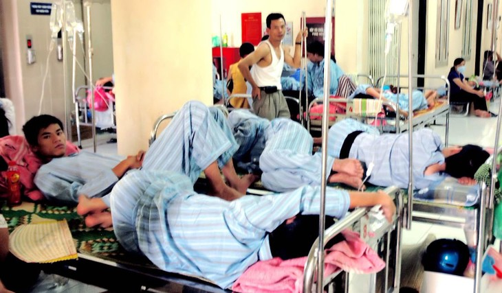 State and private hospitals cooperate in easing backlog - ảnh 1