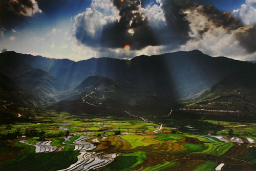 A glimpse of Vietnam through photo exhibition  - ảnh 3