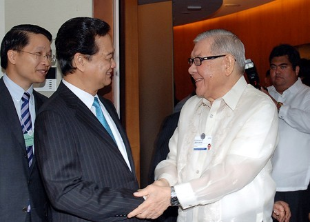Prime Minister Nguyen Tan Dung meets Philippines' Congress speakers  - ảnh 1