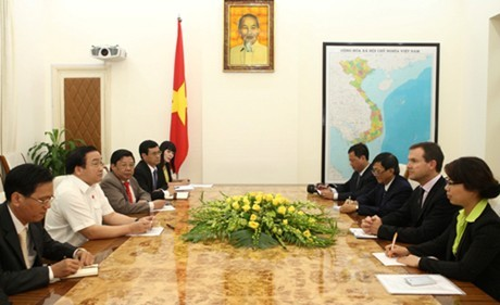 Deputy Prime Minister Hoang Trung Hai receives CITES General Secretary - ảnh 1