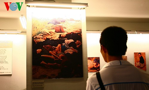 A memorable visit to War Remnants Museum - ảnh 5