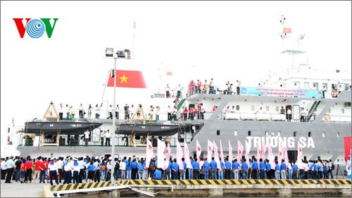 Youth Union vessels sail off to Truong Sa or Spratly archipelago - ảnh 2