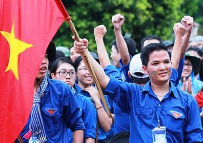 Vietnamese students demand China withdraw its oil rig from Vietnam's waters - ảnh 1