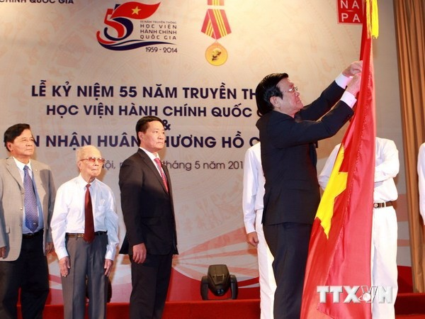Public administrative academy receives Ho Chi Minh Order - ảnh 1