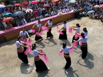 Celebrations of the 1st Thai ethnic cultural festival - ảnh 1