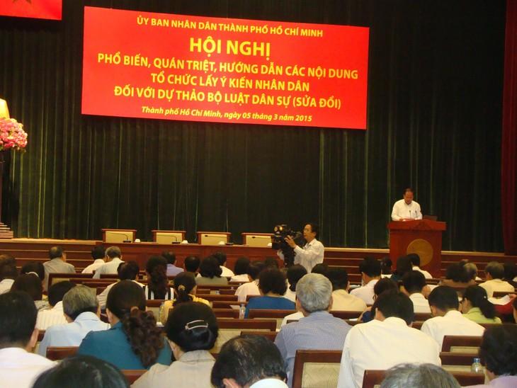 HCM City holds a referendum on the revised Civil Code - ảnh 1