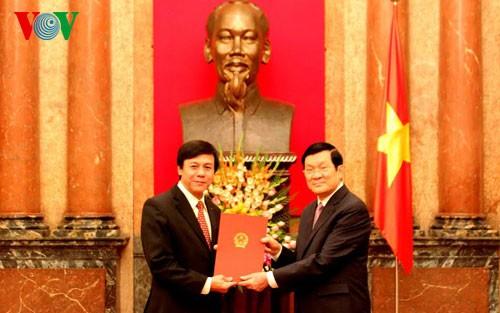 Diplomats conferred ambassador-level titles   - ảnh 1