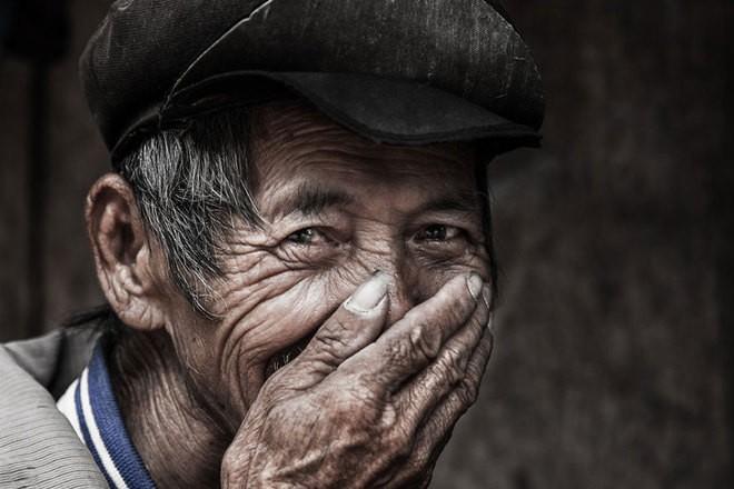 Vietnamese smile in int'l media spotlight  - ảnh 2