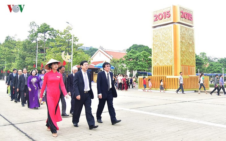VOV leaders pay tribute to President Ho Chi Minh - ảnh 1