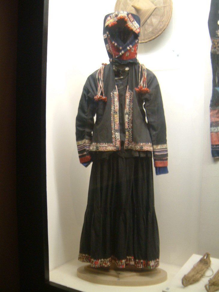 Pu Peo people preserve traditional clothes - ảnh 1