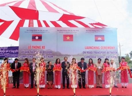 Vietnam, Cambodia, Lao cross-border road opens - ảnh 1