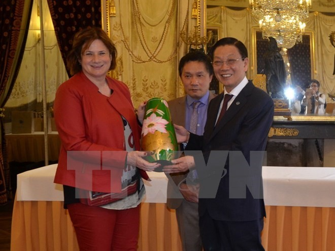 Hanoi, Swiss cities solidify connections - ảnh 1