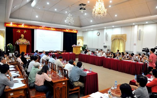 Policy dialogue on population & sustainable development - ảnh 1