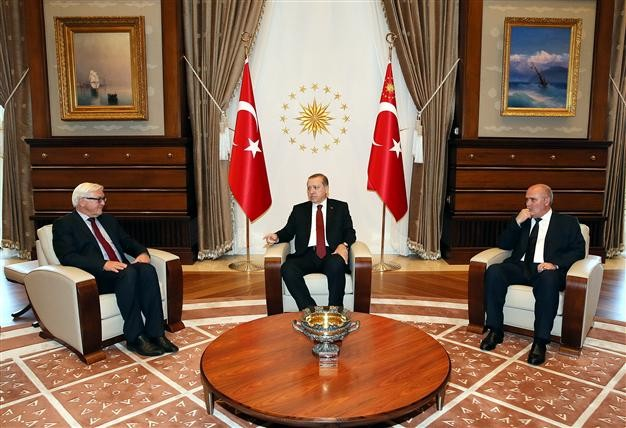 Germany cooperates with Turkey to cope with migrant crisis and settle the conflict in Syria - ảnh 1