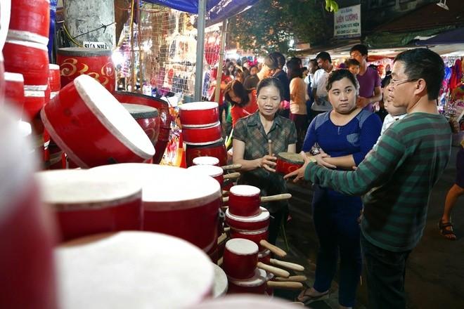 Colorful Hanoi's Old Quarter in Mid-autumn festival - ảnh 6
