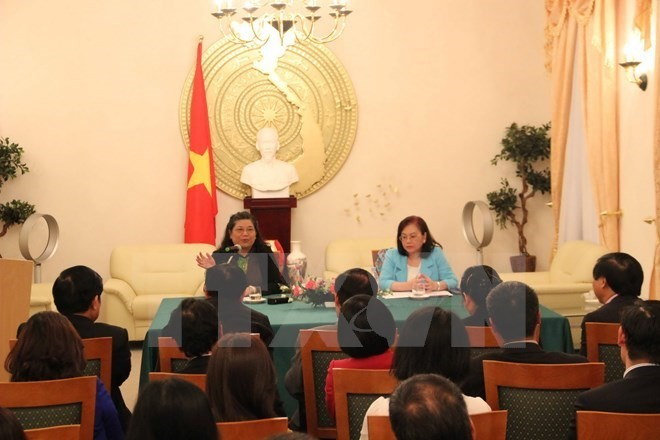 NA Vice Chairwoman meets overseas Vietnamese in Germany - ảnh 1