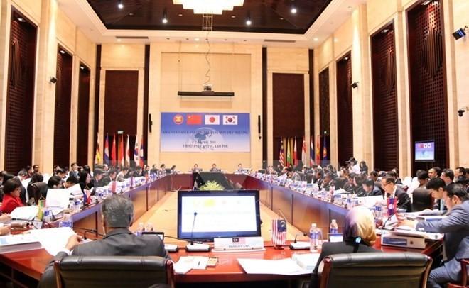 ASEAN +3 financial officials meet in Vientiane  - ảnh 1