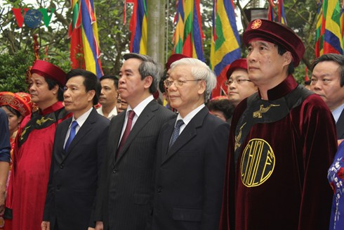Death anniversary of Hung Kings commemorated in Phu Tho - ảnh 1