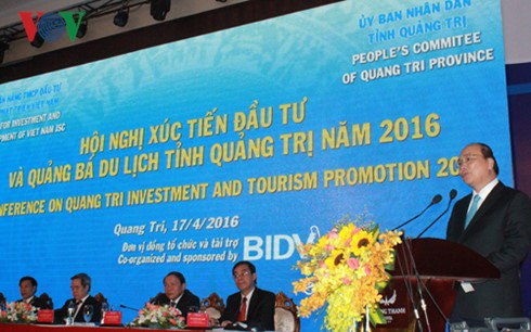 PM Nguyen Xuan Phuc promotes investment, tourism of Quang Tri  - ảnh 1