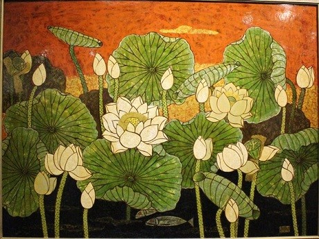 Lotus painting exhibition opens in Hanoi - ảnh 1