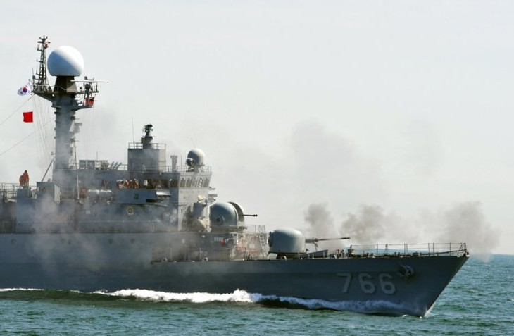 North Korea accuses South Korea naval ships for violating its waters - ảnh 1