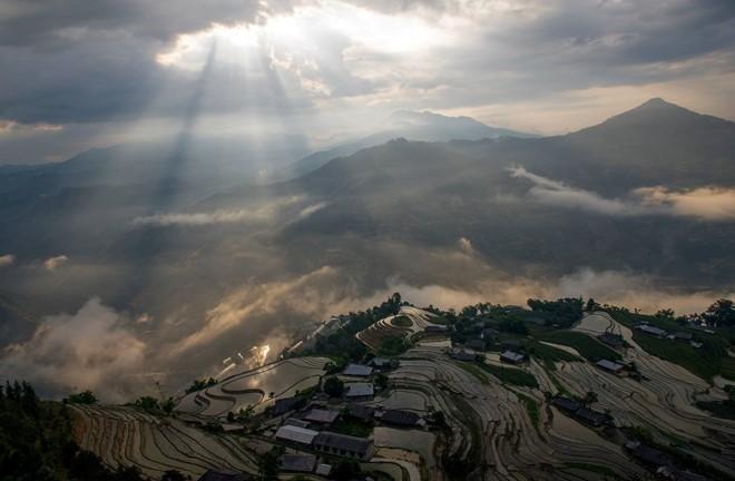 Hoang Su Phi terraced fields in rainy season - ảnh 4