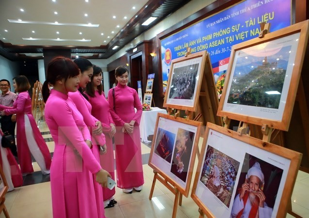"""ASEAN - Cultural Colours"" exhibition opens in Hanoi - ảnh 1"