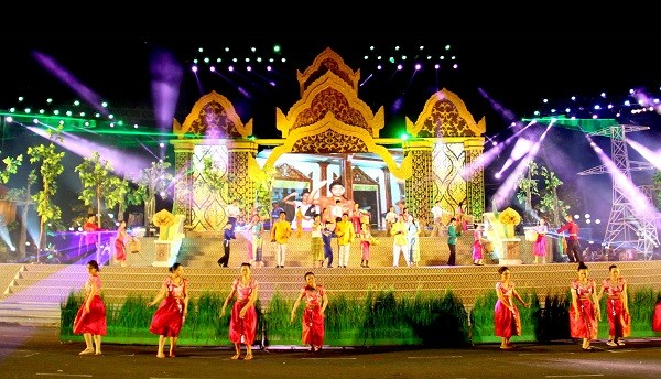Khmer culture introduced in Hanoi - ảnh 1