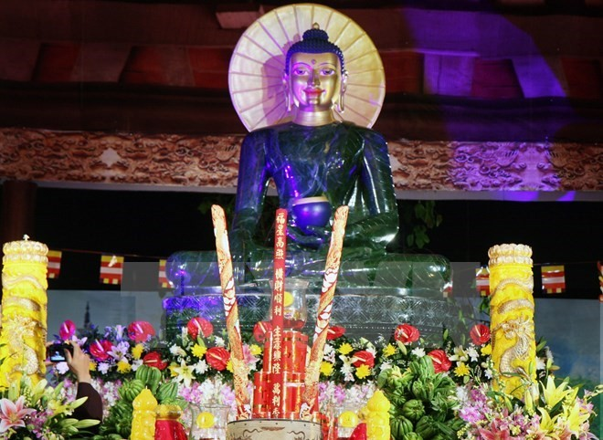 Jade Buddha statue welcomed in Thai Nguyen - ảnh 1