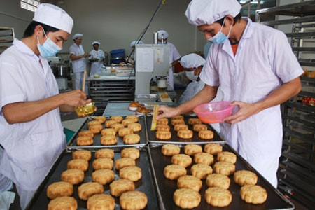Food safety inspections intensified during Mid-Autumn festival - ảnh 1