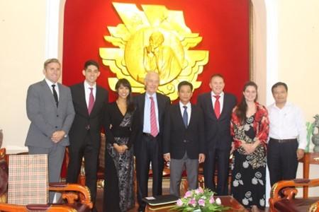 Vietnam, US enhance humanitarian cooperation - ảnh 1