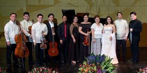 Philippine artists honour relations with Vietnam  - ảnh 1