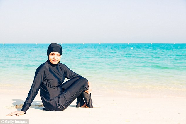Controversy over burkini ban in Europe - ảnh 1