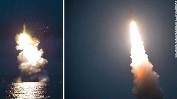 South Korea, US, Japan seek retaliatory actions over North Korea's missile launch - ảnh 1