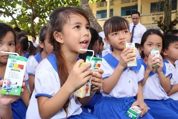 Milk support helps Vietnam's children to stand tall - ảnh 1