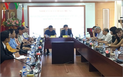 Voice of Vietnam leaders receive Laotian journalist delegation - ảnh 1