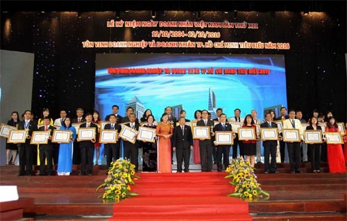 Ho Chi Minh City honors outstanding entrepreneurs - ảnh 1