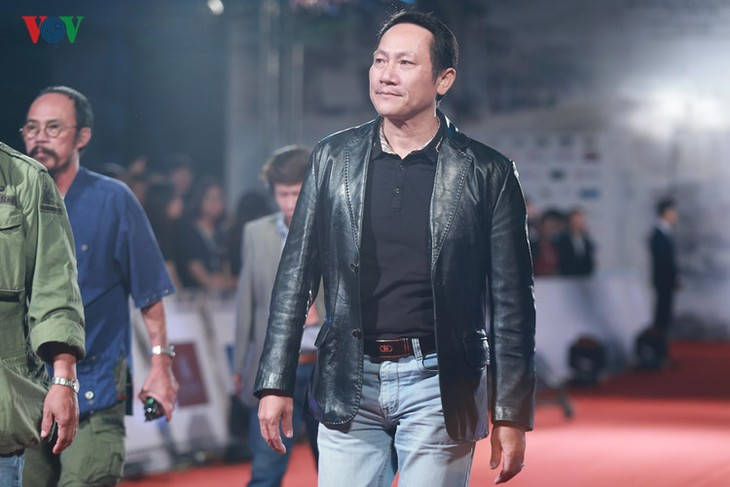 Celebrities on HANIFF red carpet - ảnh 11