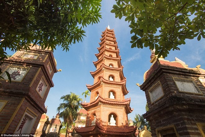 Tran Quoc Pagoda among world's most beautiful pagodas - ảnh 1