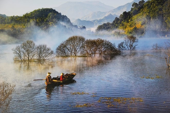Vietnam river exhibition underway in Nha Trang - ảnh 1