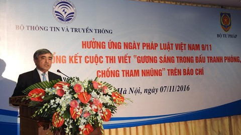 Winners of anti-corruption writing contest awarded  - ảnh 1